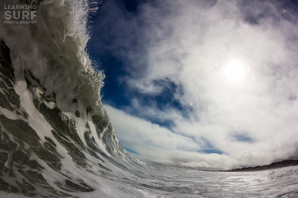 Cold New Zealand shorebreak, ISO 100, 11mm, f10, 1/1000