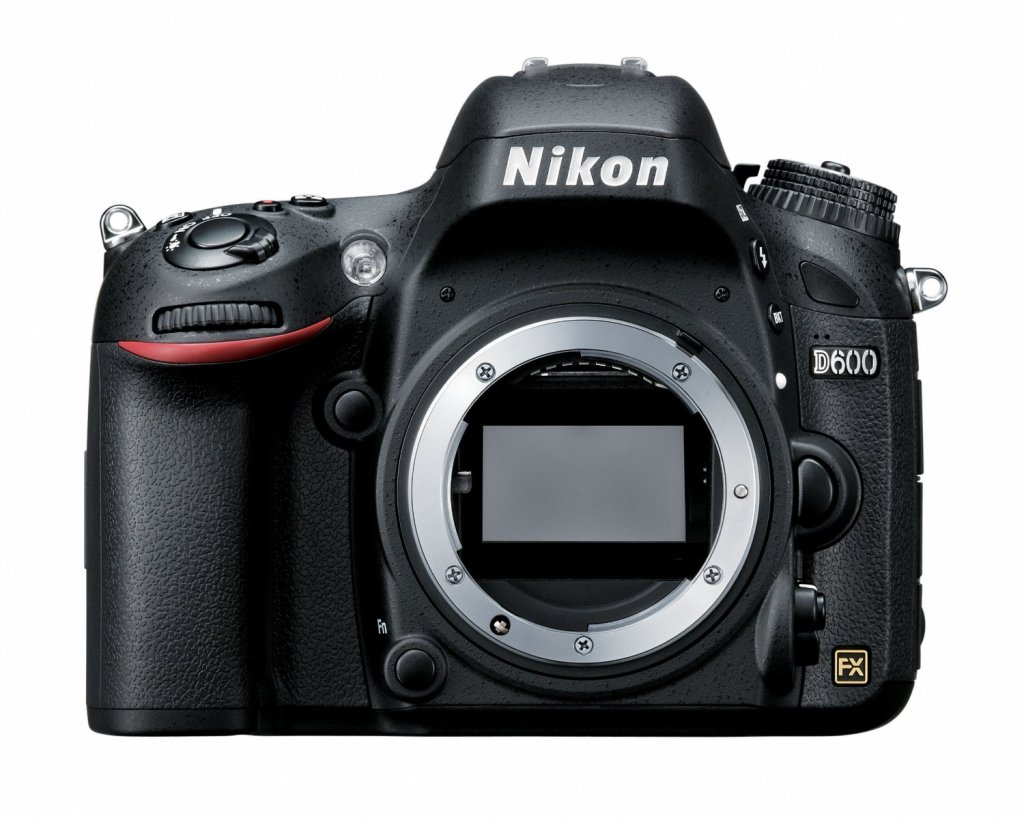 The Nikon D600 is a full frame DSLR, combined with a custom water housing this would make a very capable surf photography set-up.